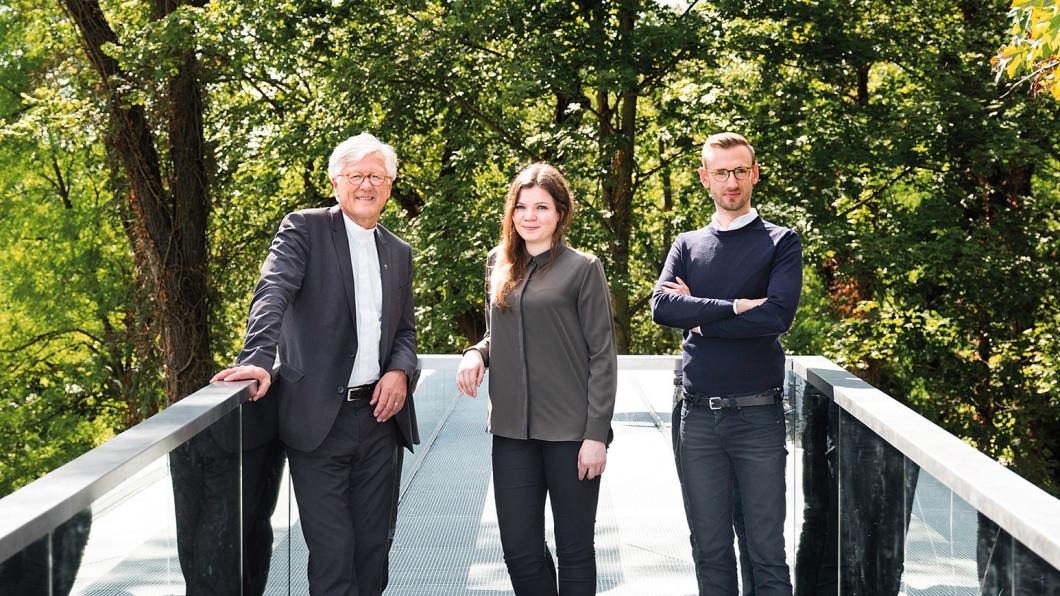 Heinrich Bedford-Strohm im Gespräch mit Sofie Mörchen und Julian-Christopher Marx, zwei Studierenden