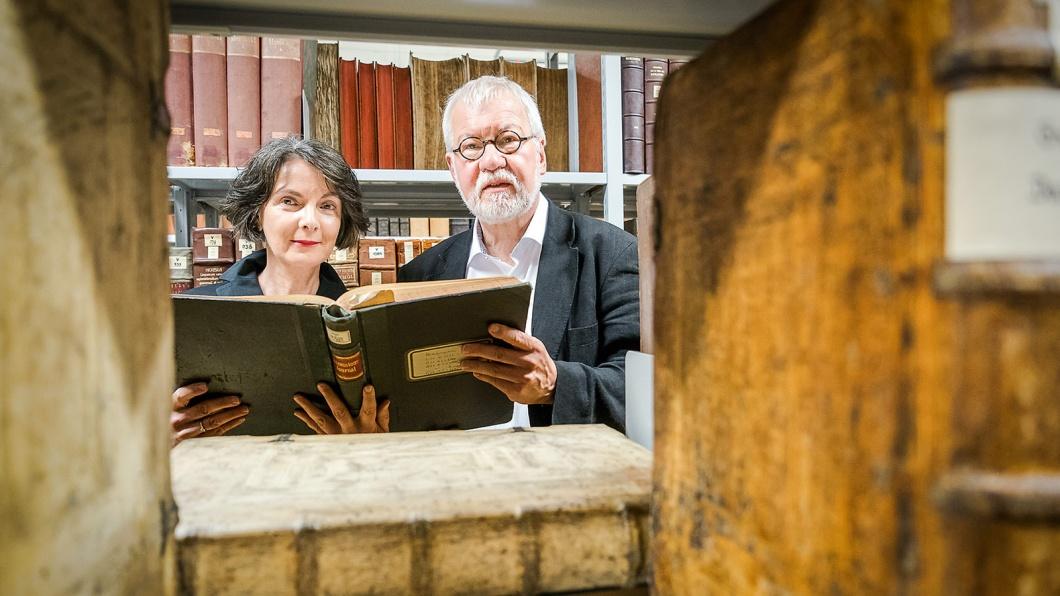 Klara Erdei und Johannes Schilling - Luther Ausstellung Uni Bibliothek