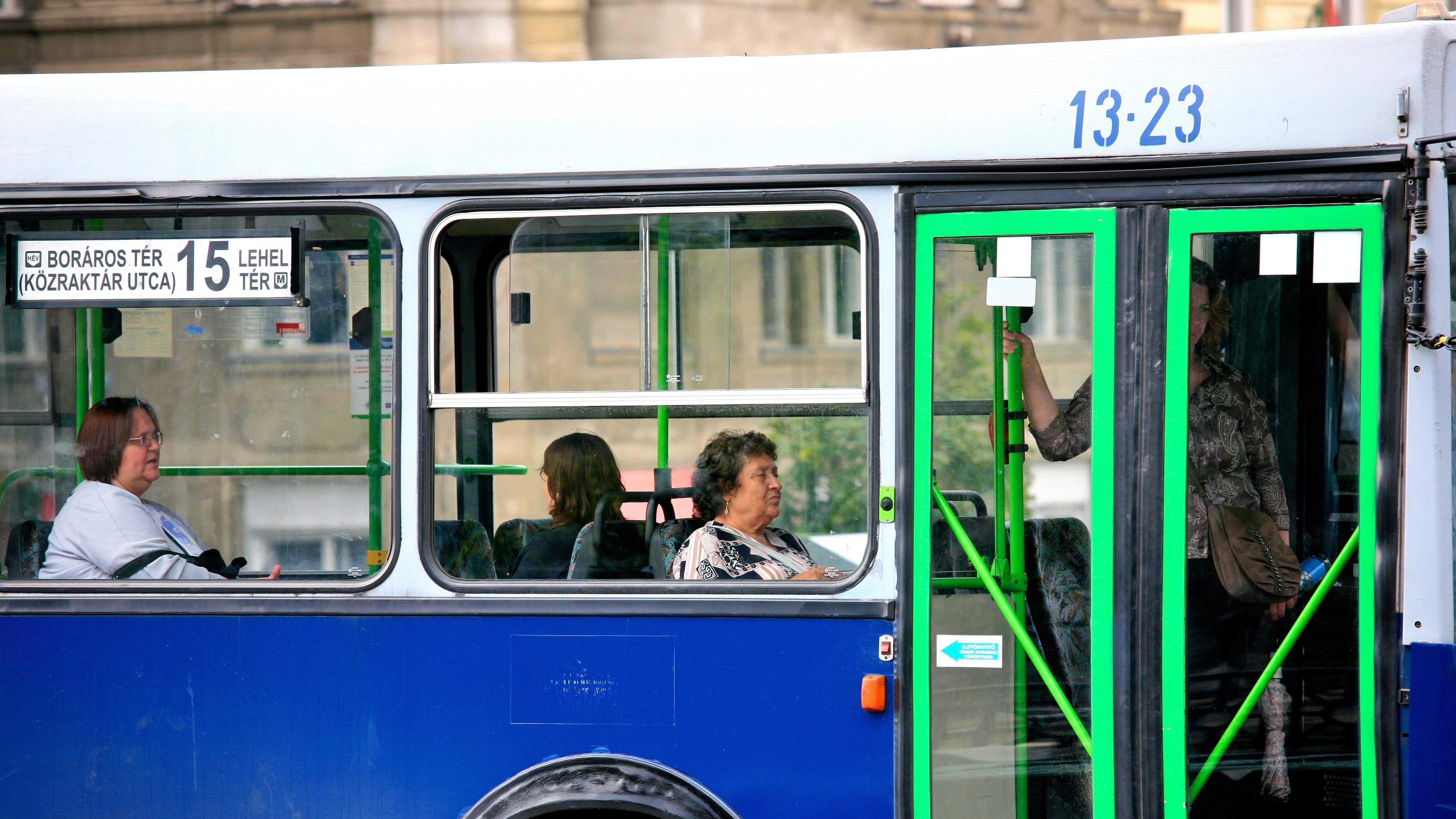 Geht doch! In Ungarn fahren Menschen über 65 kostenlos im Nah- und Fernverkehr
