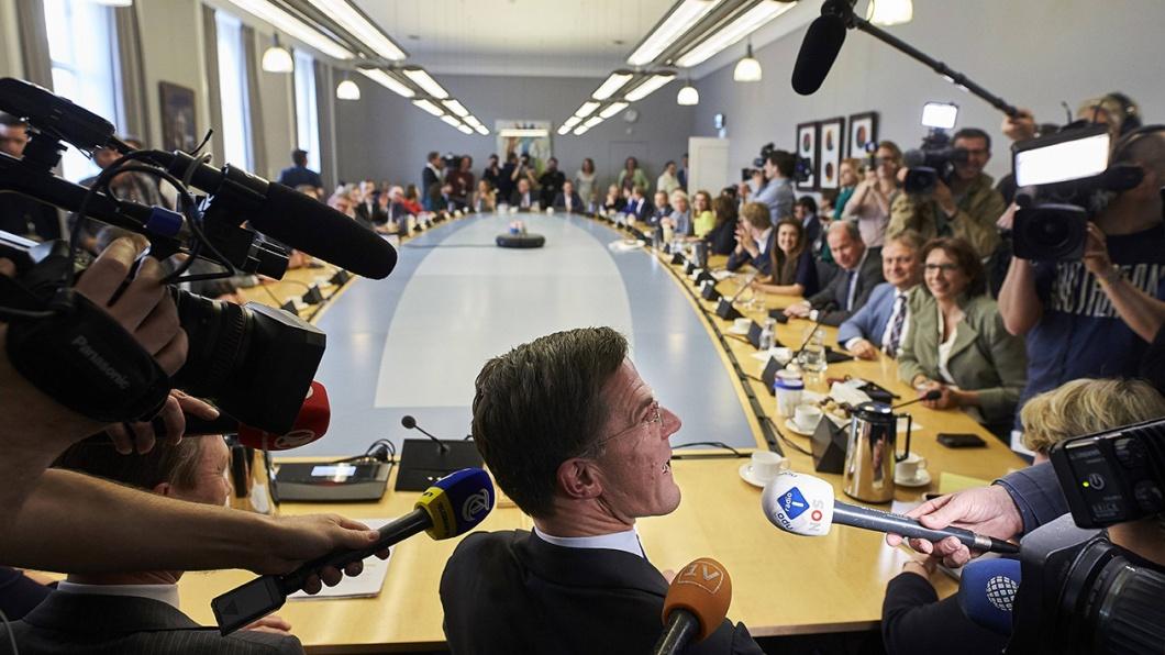 VVD-Chef Mark Rutte und Halbe Zijlstra beim ersten Treffen der VVD nach den Wahlen mitte März 2017