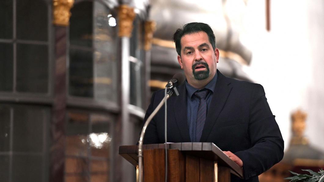 Der Vorsitzende des Zentralrates der Muslime, Aiman Mazyek, in der evangelischen Laurentiuskirche im bayerischen Altdorf
