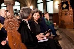 Regionalbischöfin Susanne Breit-Keßler im Gespräch mit Pfarrerin Antje Siebert