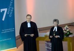 Dekan Hayo Büsing und Regionalbischöfin Susanne Breit-Kessler