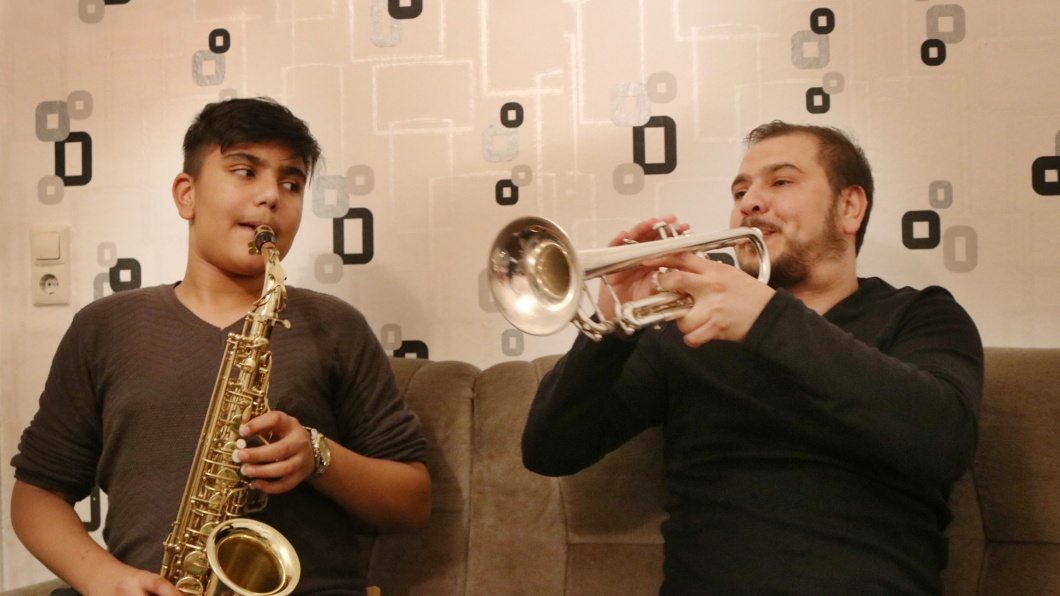Bajram Agushev aus Mazedonien spielt in Wannweil deutsche Märsche und Polkas. Im Oktober 2017 soll er abgeschoben werden.
