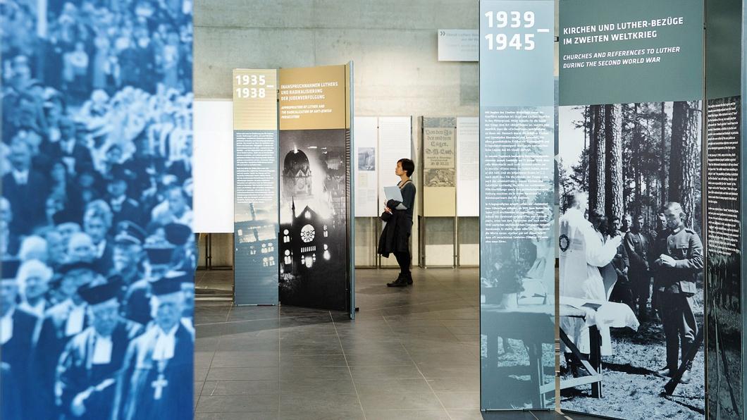 Das Berliner Dokumentationszentrum Topographie des Terrors zeigt eine Ausstellung über die Vereinnahmung Martin Luthers (1483-1546) durch die Nationalsozialisten