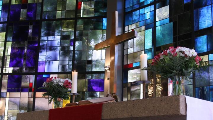 Der Altarraum der Thomaskirche in Wuppertal