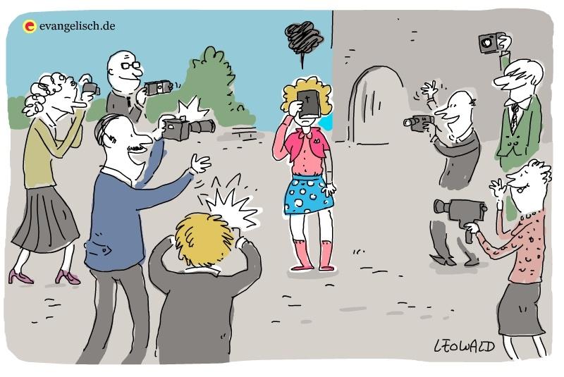 Mädchen wird fotografiert