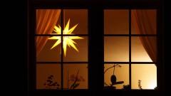 Fenster mit Herrnhuter Stern