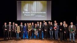 Der Medienpreis der evangelischen Kirche ist mit insgesamt 30.000 Euro dotiert und wurde in diesem Jahr in München vergeben.