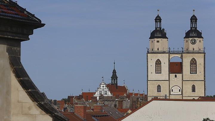 Blick auf die Stadt- und Pfarrkirche St. Marien in der Lutherstadt Wittenberg. Rund 900 Konfirmanden versammeln sich bis Pfingstsonntag in einer Zeltstadt am nördlichen Stadtrand von Wittenberg.