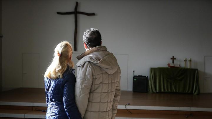 Iranisches Paar lebt in Essen im Kirchenasyl
