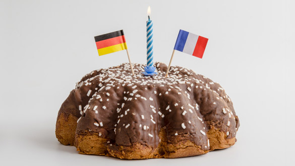 Geburtstagskuchen mit deutsch und französischer Flagge