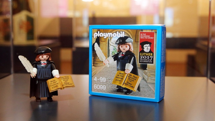 Martin Luther als Playmobil Figur