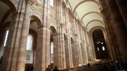 Der Baustil der Kathedrale des Bistums Speyer gehört zur Romanik.