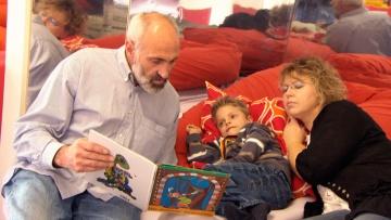 WDR: Die Entscheidung - Nils, unser behindertes Pflegekind