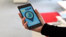 """Flyer in Form eines Smartphones für die App """"FSJ-Radar""""."""