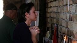 Eine Christin betet am Ort eines Selbstmordanschlages in Baghdad, Irak.