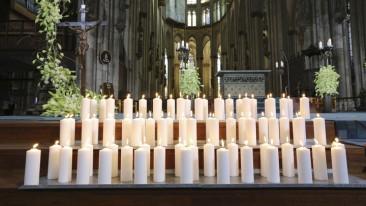 Zentrales Gedenken an Absturzopfer im Kölner Dom
