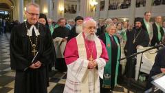 Bischöfe beim Gottesdienst in Leipzig