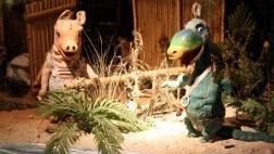 Urmel-Puppenfigur auf der Bühne