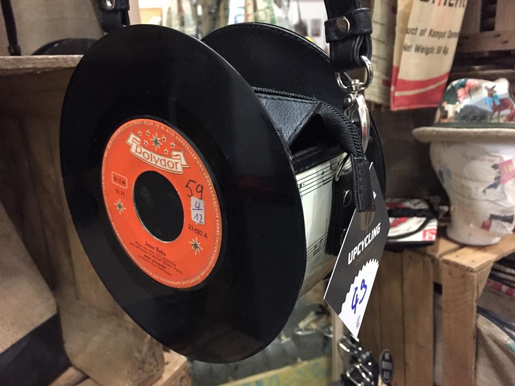 Tasche aus 2 Vinyl-Single-Schallplatten