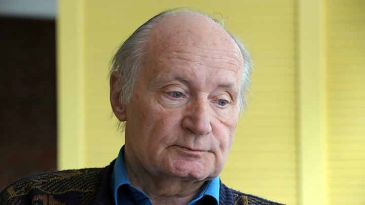 Der katholische Theologe Eugen Drewermann bei einem Gespräch mit dem Evangelischen Pressedienst (epd) am 01.06.15 im Ibis-Hotel in Paderborn.