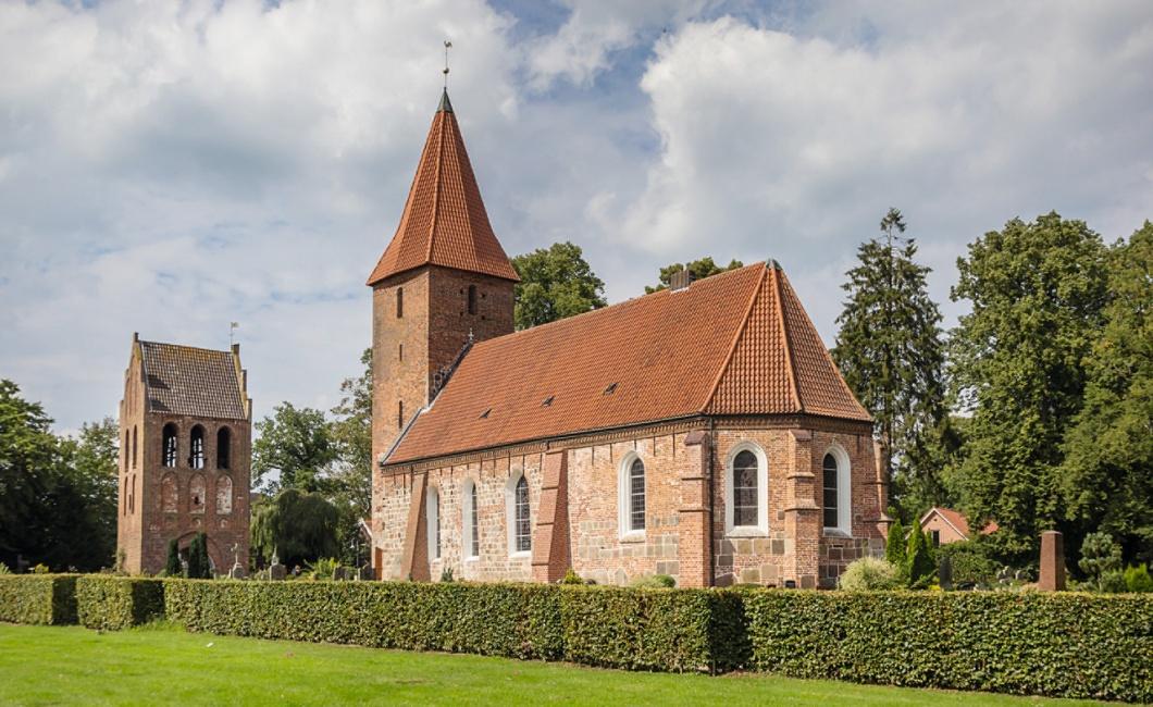 Die St.-Ulrichs-Kirche in Rastede