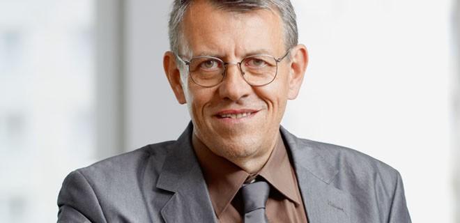 Arnd Brummer ist Chefredakteur von chrismon