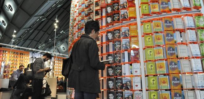 Besucher auf der Frankfurter Buchmesse im vergangenen Jahr.