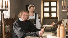 """Devid Striesow als Martin Luther und Karoline Schuch als Katharina von Bora sind in der ARD am 22. Februar im Fernsehfilm """"Katharina Luther"""" zu sehen."""