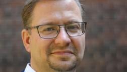 Dr. Wolfgang Beck