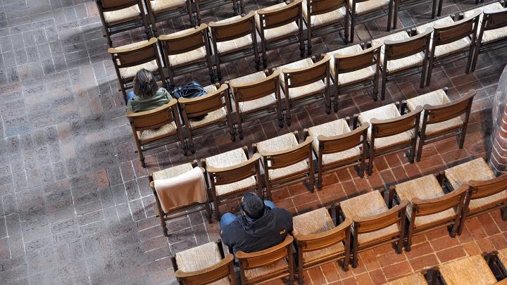 Gottesdienstbesucher in der evangelisch-lutherischen Marktkirche in Hannover