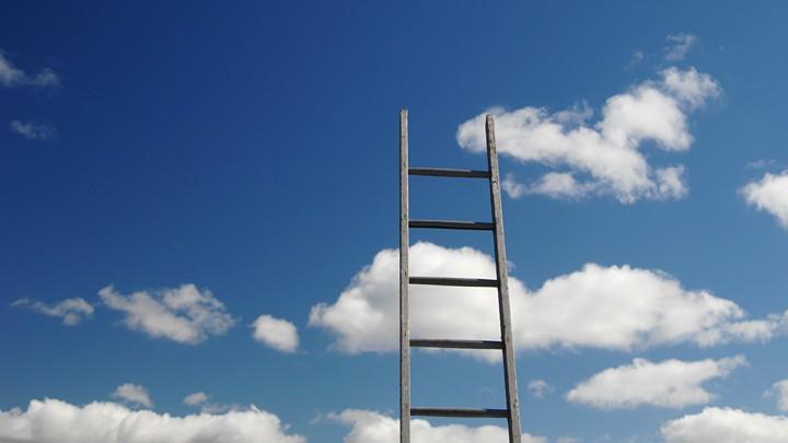 Christi Himmelfahrt: Eine Leiter nach oben oder auf einer Wolke gen Himmel?