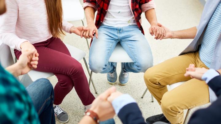 Junge Leute aus der Evangelischen Kirche im Rheinland sollen im kommenden Jahr über wichtige Fragen der Landeskirche auf einer erstmals einberufenen Jugendsynode beraten.