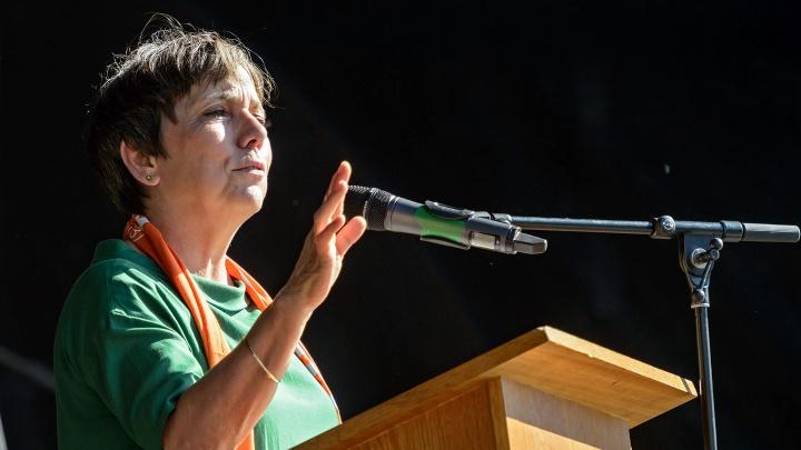 """Margot Käßmann spricht am 27.05.2017 in einer Bibelarbeit beim """"Kirchentag auf dem Weg"""" in Halle an der Saale."""
