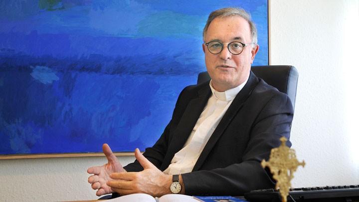 Der württembergische evangelische Landesbischof Frank Otfried July