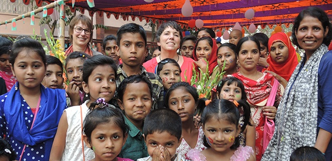 i34_ekd-neudelhi-kaessmannbes-dhakmeena-lesinskimarkus.jpg