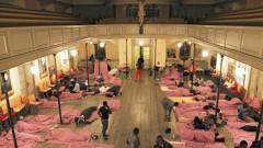 Matratzenlager auf dem Kirchenboden