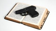 Bibel und Colt