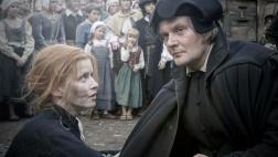 Luther hilft Katharina auf dem Marktplatz in Wittenberg