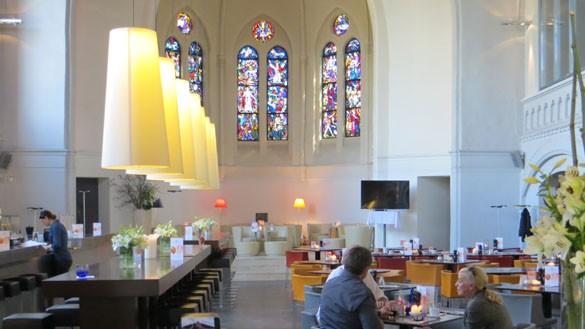 brunchen statt beten wie eine kirche zum restaurant wird. Black Bedroom Furniture Sets. Home Design Ideas
