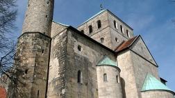 400 geladene Gäste feierten am Sonnabend in der Michaeliskirche in Hildesheim einen ökumenischen Gottesdienst.