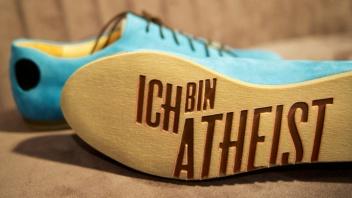 Berliner Label macht Schuhe für Atheisten