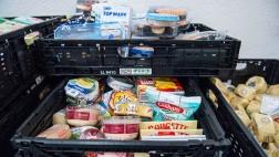 Supermarktspenden für eine Tafel.