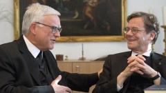 Die beiden Berliner Bischöfe Markus Dröge (evangelisch) und Heiner Koch (katholisch) dämpfen die Hoffnung auf Fortschritte in Grundsatzfragen, etwa beim gemeinsamen Abendmahl.