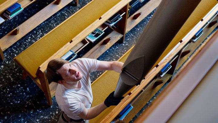 Großputz an den Orgelpfeifen