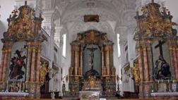 Durch einen Zufall fand man vor zehn Jahren in der Pfarrkirche von Irsee neun verschollene Fastentücher, die alle Altäre ab dem ersten Fastenmonats verhüllen.