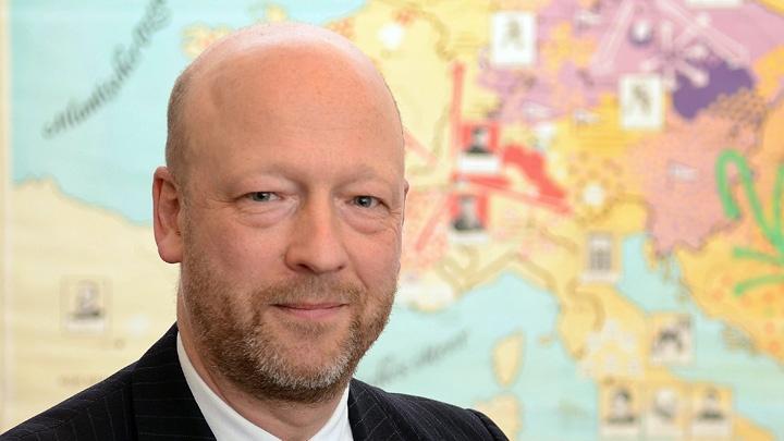 """""""Religion darf in Deutschland öffentlich sichtbar sein, sie ist Teil der Gesellschaft. Sie hat aber auch die Aufgabe, sich als sozialverträglich und nützlich zu erweisen"""", sagt Johann Hinrich Claussen, Kulturbeauftragter der EKD."""