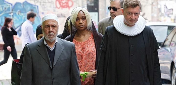 Mit einer christlich muslimischen Trauerfeier wurde am Freitag 27 05 16 in der evangelischen St P