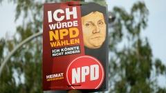 """Wahlplakat der NPD mit einem Porträt des Reformators Martin Luther und dem Spruch """"Ich würde NPD waehlen - Ich könnte nicht anders""""."""